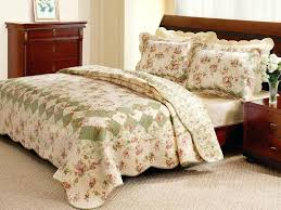 strikingly beautiful old fashioned comforter sets vintage romantic tea rose quilt set country style 19