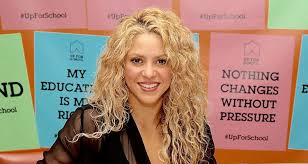 celebrity make up shakira posts makeup free selfie to thank fans for 400 million views on chantaje