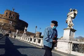 كورونا.. إيطاليا تلغي الإلزام بوضع الكمامات في الأماكن المفتوحة - RT Arabic