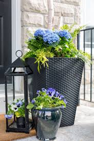 Be sure to check out these gorgeous porch planter ideas and inspiration  front and back porches before sprucing up ...