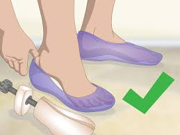 how to stretch plastic shoes