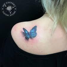 фото тату бабочки на плече