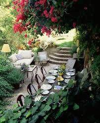 alfresco dining gets out there