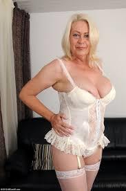 free busty granny pics