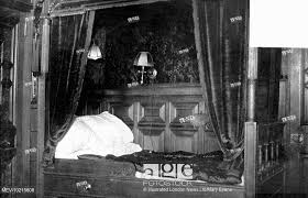 Stock Photo   Photograph Of A Four Poster Bed In One Of The First Class  Bedrooms On The Titanic. Built By The Shipyard Harland And Wolff For White  Star ...