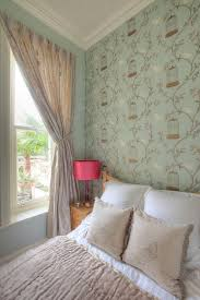 Delightful ... Birdcage Walk Wallpaper In The Chic Bedroom [Design: Furnished By Anna]