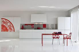 Cocinas Modernas Blancas Cocina Grande Con Comedor En Blanco Y Rojo Muebles  Y Suelo With Cocinas Blancas Y Rojas.