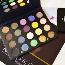 ofra week ofra pro eyeshadow palette review swatches