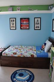 drop dead gorgeous pictures of hockey themed boy bedroom decoration charming ideas for hockey themed