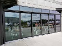 seattlepatiocovers com images staging doors opening glass walls tacoma restaurant opening glass doors tacoma restaurant 08 jpg