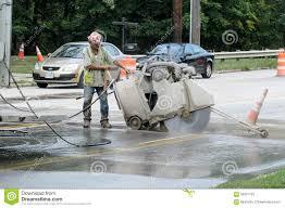 concrete saw cutting. cement saw cutting concrete l