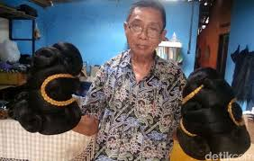 Saat ini, kami sedang membutuhkan pekerja di bagian : Melihat Pembuatan Rambut Palsu Di Purbalingga