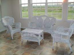 what s the best paint for wicker furniture
