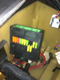 2 errors in dme bimmerfest bmw forums good i took the e box fan and applied 12 volts to it and nothing so i think i found that issue here is a pix of the fuses in the dme box