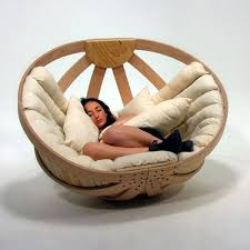 cradle round chair with comfy mattress and pillows