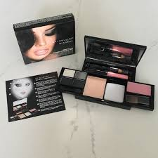 maybelline new york up in smoke makeup kit