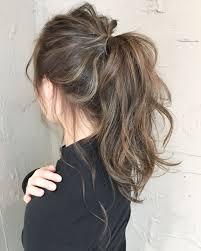 簡単ポニーテールもハイライトでおしゃれに格上げ Hair ヘア