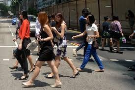 gender pay gap of 12 8 persists in singapore glassdoor report