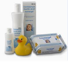 lactacyd baby bath is a mild natural cleansing formulated for the baby s skin it is used for bathing newborns and babies up to 12 months old