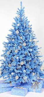 Blue Christmas Tree Ideas  Refresh RestyleBlue Christmas Tree Ideas