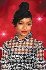 yara shahidi wore our new favorite lipstick to the people s choice awards