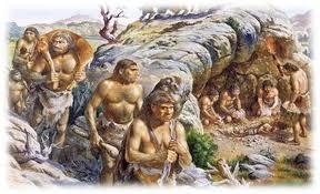 Жизнь первобытных людей Большинство людей гибло не дожив до 30 лет Природа давала возможность выжить только самым сильнейшим Люди собирались в стаи которые вместе охотились и