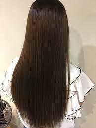 髪の毛は長くなればなるほど収まりが良くなりますが意外とボリュームが出