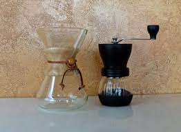The chemex coffee maker is to coffee what the palette and paintbrush are to painting. Ceramic Vs Steel Burr Coffee Grinders