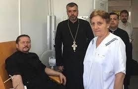 Imagini pentru preoții donează sânge