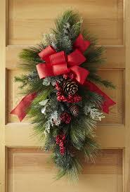 diy traditional swag for front door holiday decorations