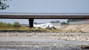Картинки по запросу сочи самолёт выкатился в русло