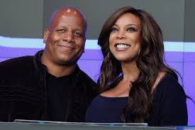 Wendy Williams Fights Back Tears Discussing Divorce | PEOPLE.com