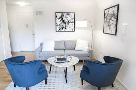 Woonkamers To Create The Look Of This Modern Luxe Apartment It Is