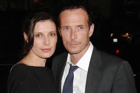 scott weiland s ex wife writes heartfelt essay don t glorify scott weiland s ex wife writes heartfelt essay don t glorify this tragedy today s news our take com