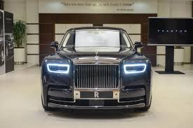 2018 rolls royce coupe. fine 2018 2018 rolls royce phantom makes middle eastern debut to rolls royce coupe