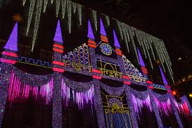 Saks Fifth Avenue Light Show 2016 Schedule Nyc Christmas Windows A Free Walking Tour Self Guided