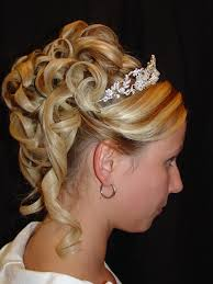 Wedding Hair Style Up Do best bridal veil and wedding hairstyle binations weddingood 1075 by wearticles.com