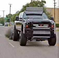 there is no reason for this ford truck 2 have 14 led bars on its only 1 2 or 3 led are enough but 14 led bars is just 2 much