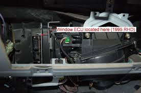repair land rover discovery 1 rear electric windows landyworld in the above picture i have already prised out the black trim from around the ecu multi plugs this comes out easy enough a flat head screwdriver