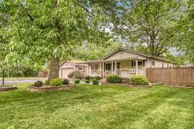 131 S Lillian St, Griffith, IN 46319 - MLS 475586 - Coldwell Banker