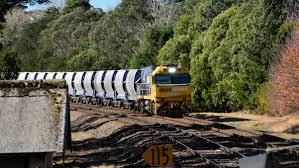 stome wagon bundanoon station nsw nswr nswgr new south wales nr40 40 nr108 108 town alice city broken hill australia lootive