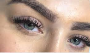 Yes, it is common after waxing your eyebrows because wax can cause pimples or little bumps and breakout. Ss Brow Beauty
