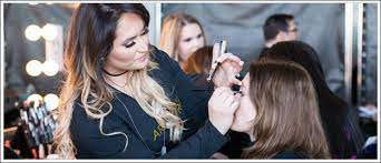 learn to be a makeup artist in just 12