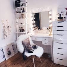 tten makeup room decor