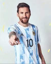 ميسي يعلن عن قميص منتخب الأرجنتين الجديد بكوبا أمريكا