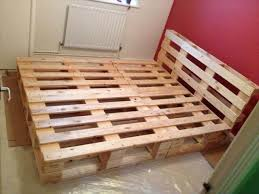 diy recycled pallet bed frame source