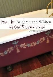 clean a porcelain tub