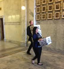 Petition Office Ag Gag Opponents Deliver 113 000 Petition Signatures To