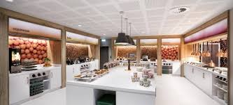 hampton by hilton bristol airport breakfast area