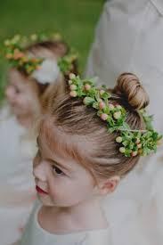 L Gant Coiffure Mariage Petite Fille D Honneur Petit Chignon